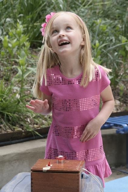 Node Paper Rocket Little Girl Delight